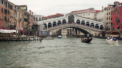 VENICE, ITALY - SEPT 15, 2016: View of the Rialto Bridge from the Grand Canal Stock Footage