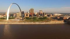 St Louis Downtown City Skyline Gateway Arch Midwest Urban Landscape Mississ.. Stock Footage