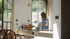 4K Woman preparing healthy lunch for friends on a summer day. Stock Footage