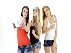 Selfie photo on tablet make brunette, redhead and blonde girl Stock Footage