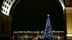 Arch of the General Staff in St. Petersburg at night Christmas Stock Footage