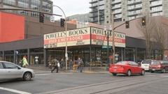 Famous Powell's Bookstore. Portland, Oregon, USA. Stock Footage