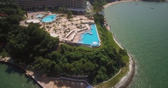 Swimming Pool on Headland Overlooking Royal Cliff Beach in Pattaya, Thailand Stock Footage