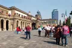 Visitors at Chapultepec Castle in Mexico City Kuvituskuvat