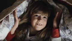 Little girl bed night fear Stock Footage