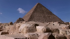 The Great Pyramid of Keops Giza Cairo in tilt up Stock Footage
