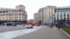 Moscow the State Duma the cleansing from the dirt streets of spring Stock Footage