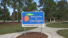 Zoom into Welcome to Georgia sign, USA Stock Footage