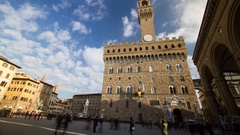 Time lapse of tourists that walking in Piazza della Signoria in Florence, Italy Stock Footage