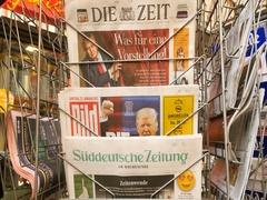 Die Zeit, Bild, Suddeutsche Zeitung, Neue Burcher Zeitung, Taz am wochenende Stock Footage