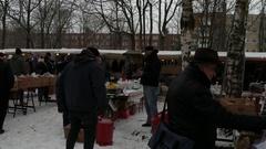 Germany, Berlin, flea market in Mauerpark, January 8, 2017 Stock Footage