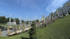 Famous Great Cascade at Peterhof park, Central cascading fountain from the side Stock Footage