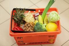 Food basket on grocery or supermarket floor Kuvituskuvat
