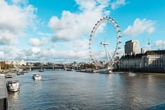View on the London Eye and the Thames river Kuvituskuvat