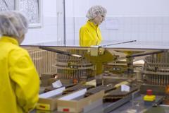Medical Vaccine Manufacturing - Pharmaceutical Industry Kuvituskuvat