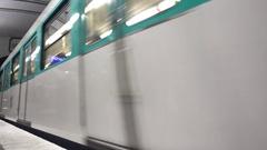 Paris 27 Jan 2017 Subway Train Enter Babylone Metro Station Stock Footage