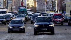Winter Traffic in Frankfurt - snow covered streets Stock Footage