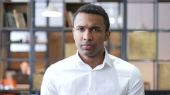 No by Black Man in Office, Shaking Head to Reject Stock Footage