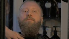 Man in the barbershop Stock Footage