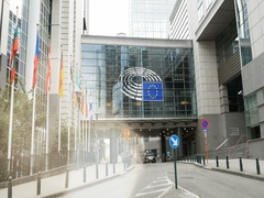 European Parliament building in Brussels Bruxelles on Rue Wirtz passarelle Stock Footage