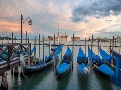 Time lapse of gondolas view to San Giorgio Maggiore venice, Italy Stock Footage
