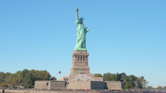 CLOSE UP: Long queue forming at the entrance to the iconic Statue of Liberty, NY Stock Footage