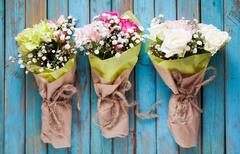 Mini flower bouquet with roses and carnation Kuvituskuvat